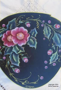 Holly and Wild Roses Wedgewood Box Packet